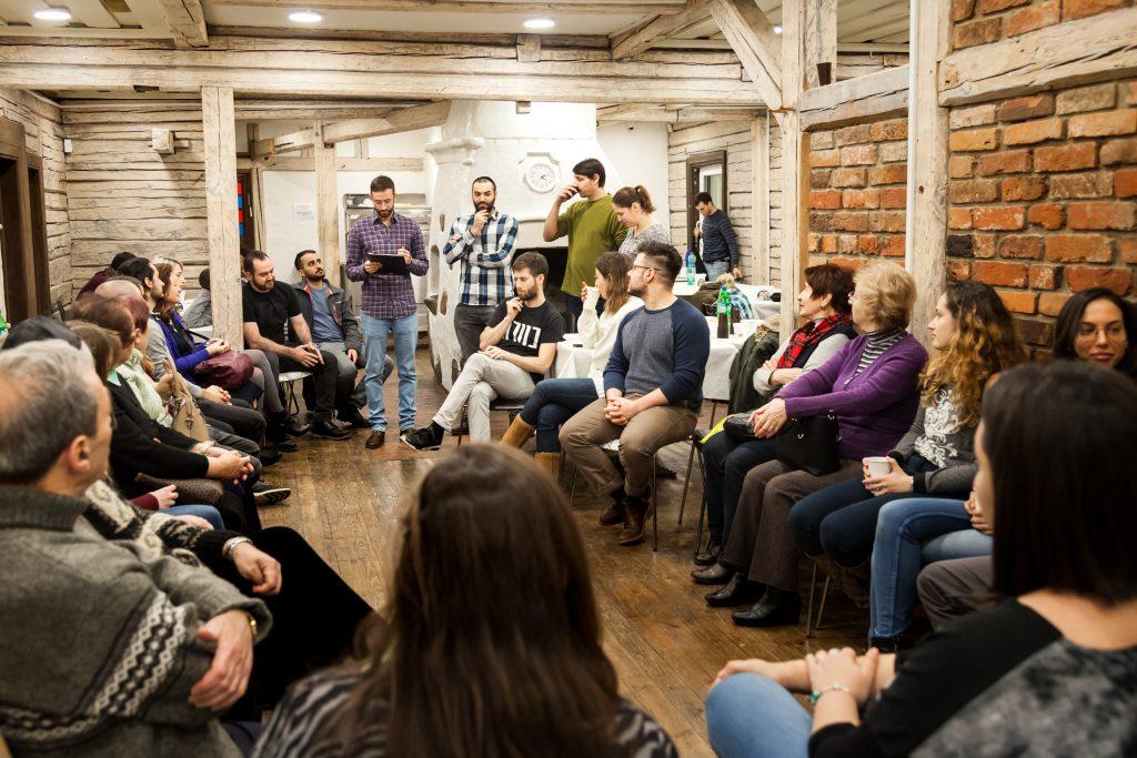 מפגש סטודנטים-מבוגרים